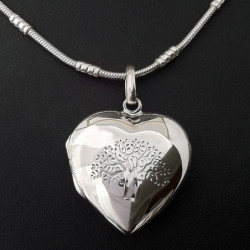 "Locket ""Heart Tree of Life"" Medium"