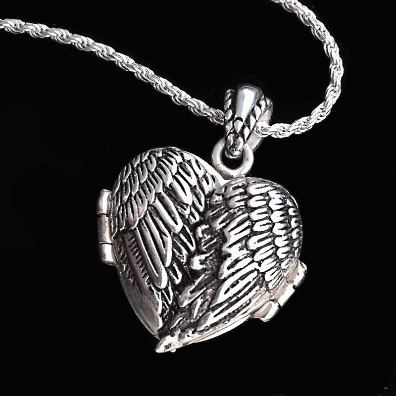 "Heart Locket ""Angel Wings"""