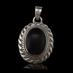 "Pendant ""Braided"" Oval Onyx"