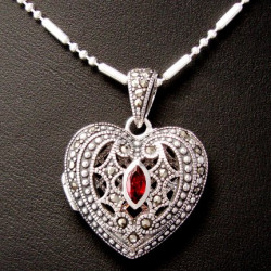 Locket Pendant Heart...