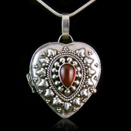 "Locket Pendant ""Countess of Lovelace"" Carnelian"