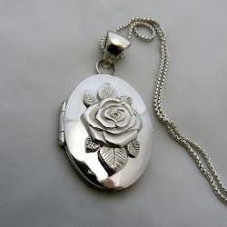 """Rosa de Julieta"" Relicario"
