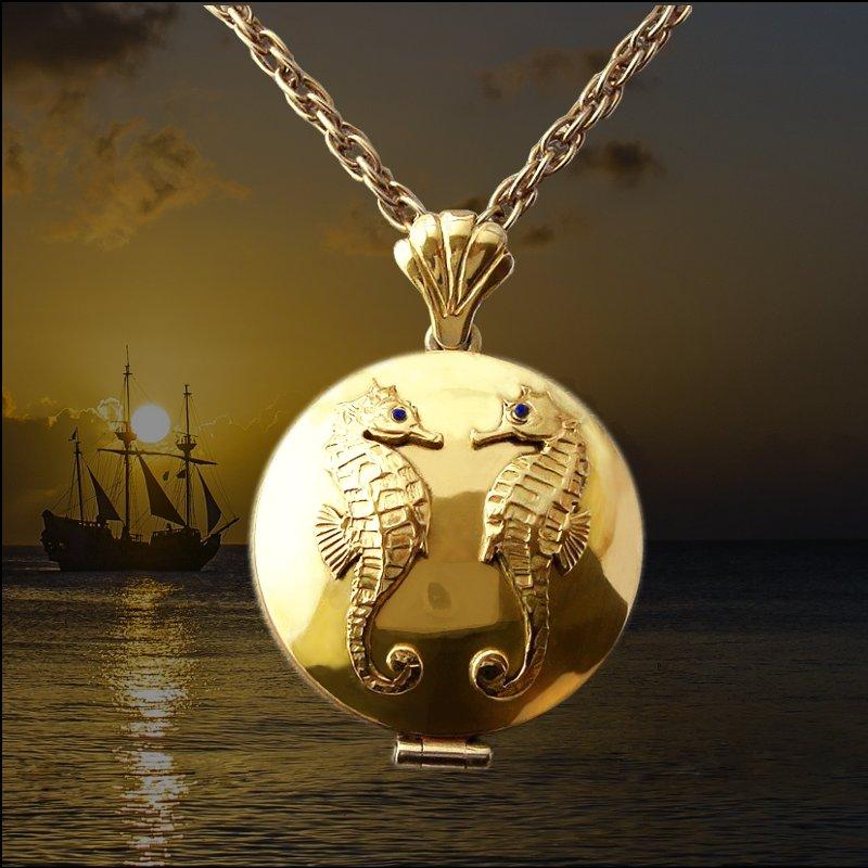 Round gold locket pendant seahorses with lapis lazuli 3.5 cm