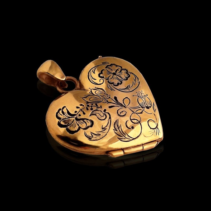 Heart locket photo pendant with a foliage and flower decoration solid 18 ct gold
